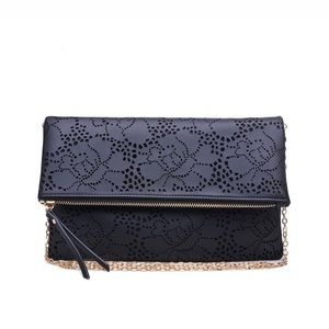 Urban Expressions • Cross Body Purse